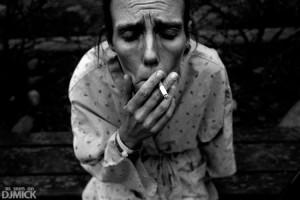 Ученые выяснили: курение заставляет человека лениться