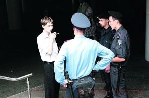 Четверо туристов получили штрафы за курение на речном вокзале